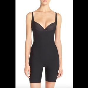 NEW Spanx Thinstincts Open Bust Mid Thigh Bodysuit